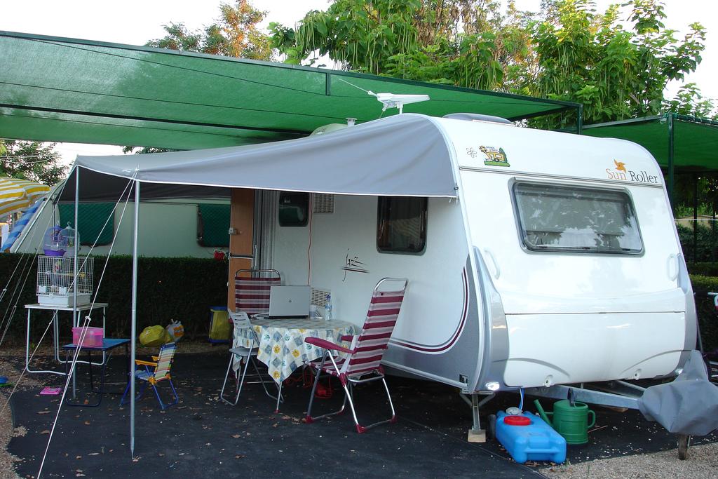 Toldo de verano o caravanstore for Toldos para caravanas