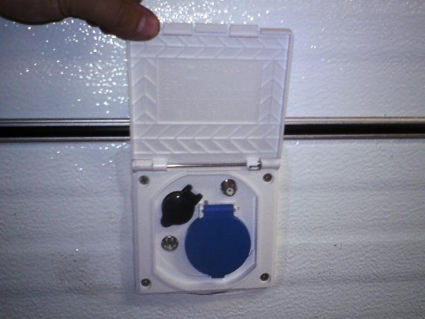 Cambio de enchufe entrada de corriente a cv 490 cp - Enchufes de exterior ...