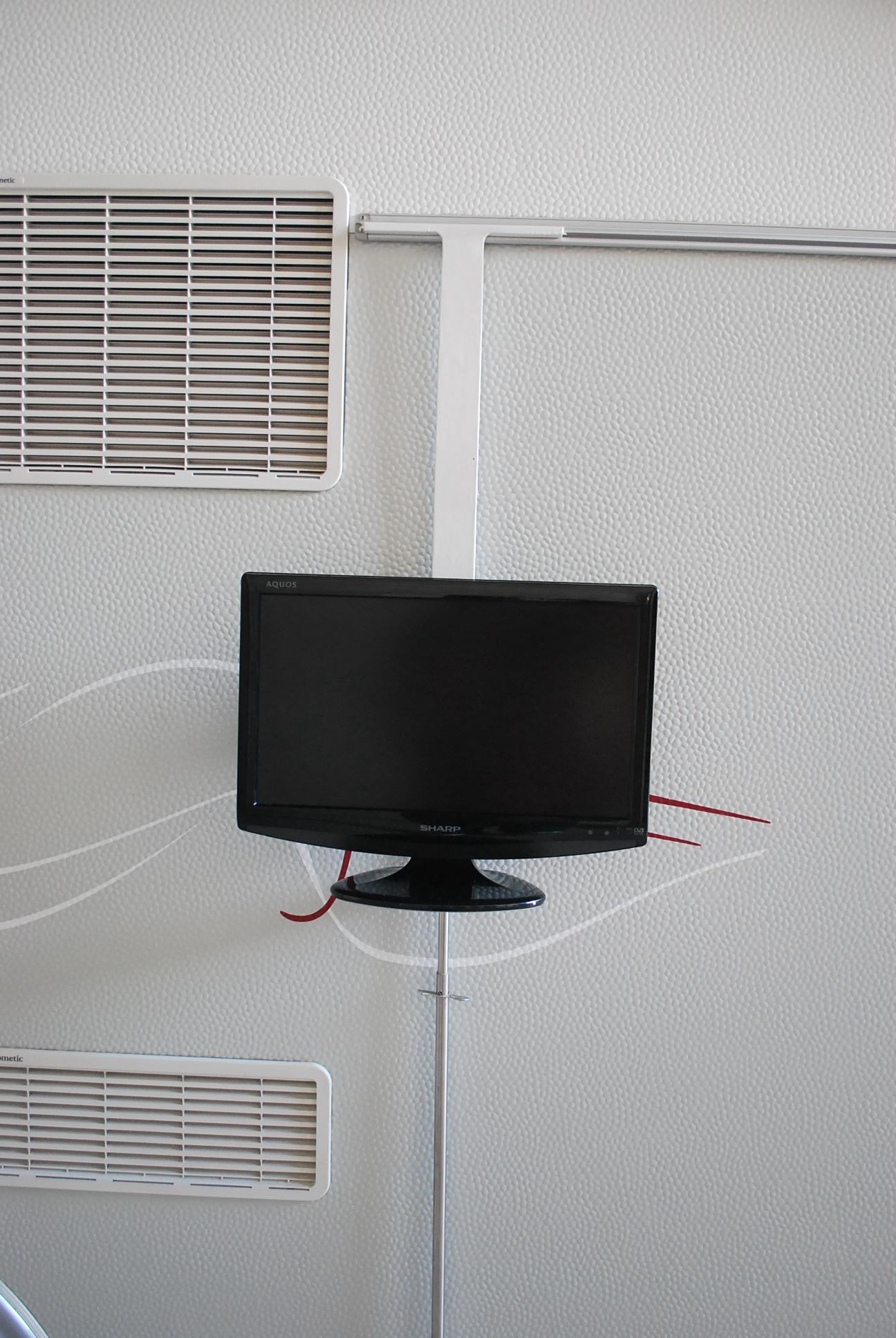 Soporte para tv plana en el exterior de la cv for Soporte para tele